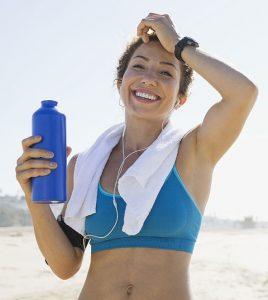 girl-drinking-water-workout